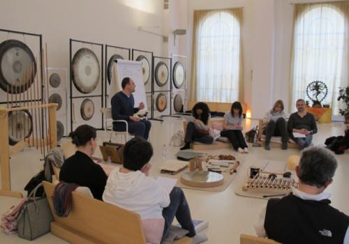 Formazione per Gong Master Rivenditore Gong Paiste Italia Bagni di Gong Benvenuti su Gongplanet Formazione Gong Master vendita Gong Paiste Bagni di Gong(4)